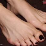 ejaculation-sur-les-pieds-005