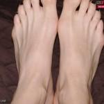 ejaculation-sur-les-pieds-008