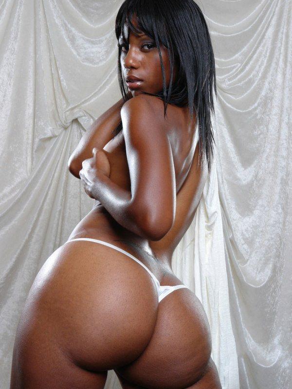 femmes-noires-nues-010