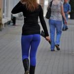 filles-sexy-en-pantalon-moulant002