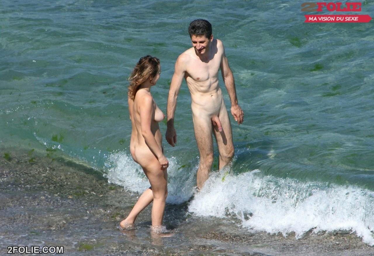 Смотреть онлайн у парня встал член на пляже фото 348-410