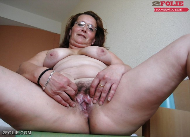 femme mature grosse chatte poilue-003