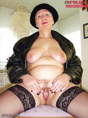 femme mature grosse chatte poilue-019