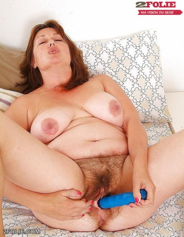 femme mature grosse chatte poilue-021