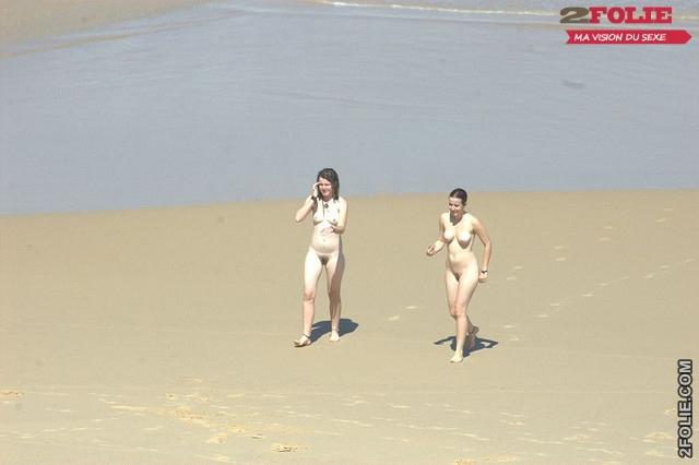 belles femmes completement nues en vacance011