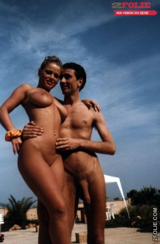 belles femmes completement nues en vacance016
