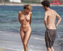 couples de nudistes plage-011