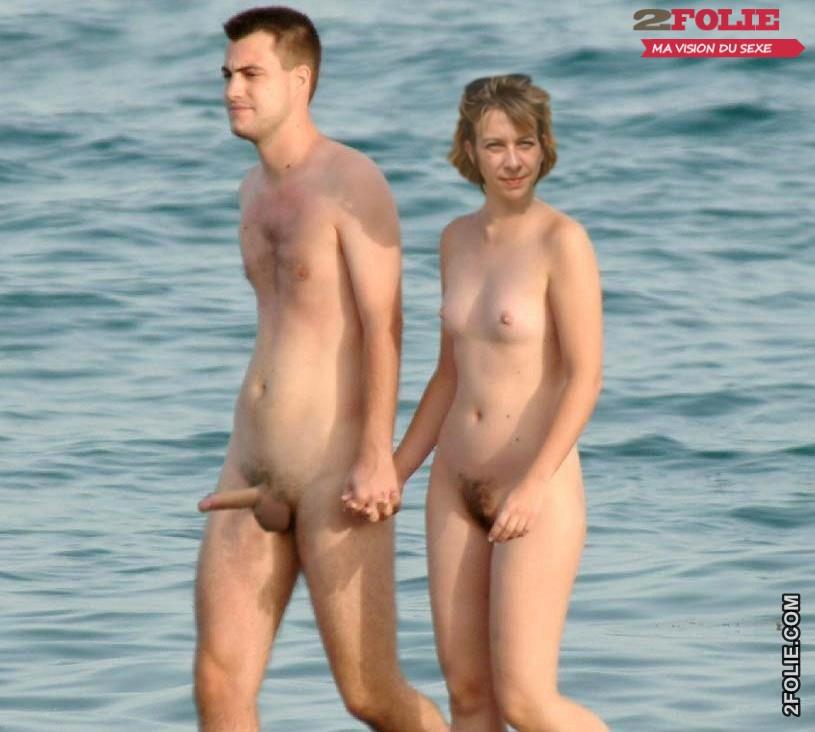 Couples Naturistes Nues Sur La Plage