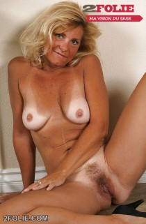 photo femme mature blonde-001