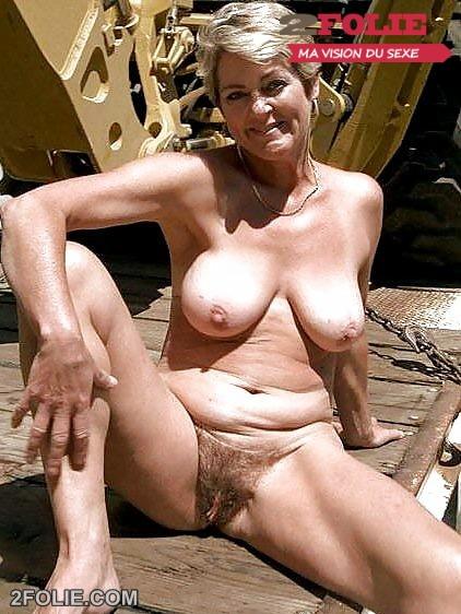 photos de femmes mûres nues dehors-004