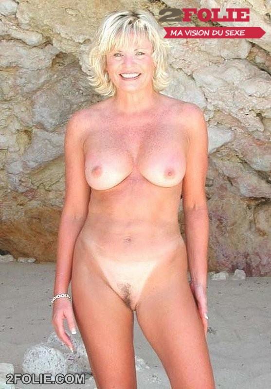 photos de femmes mûres nues dehors-005