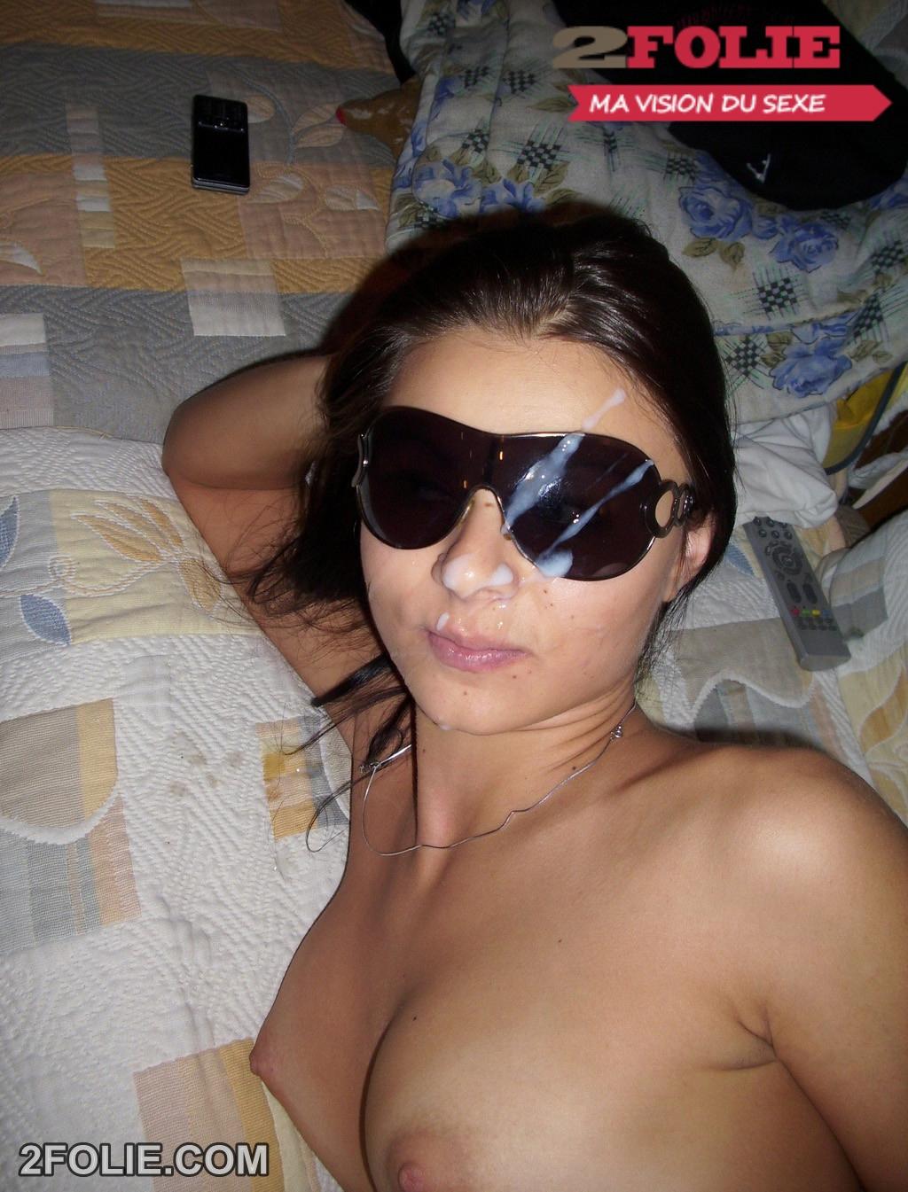 sperme sur lunettes