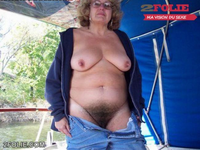 Femmes poilues aux gros seins
