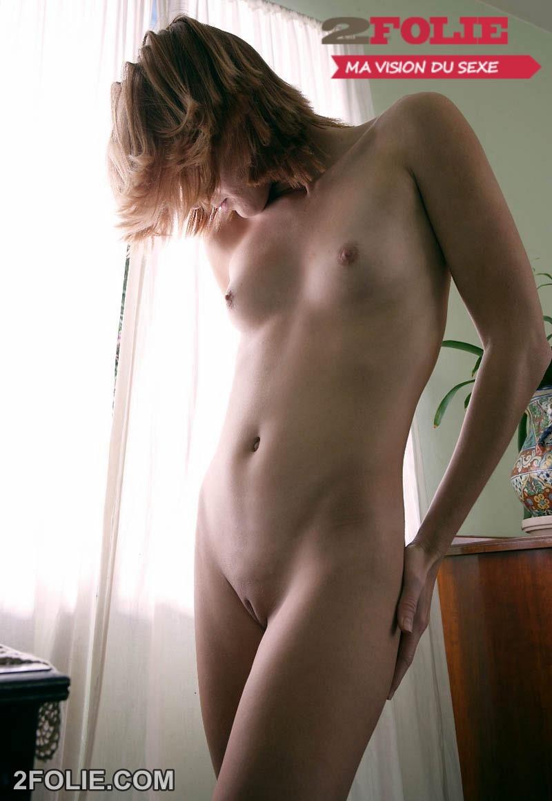 petit sein sexy