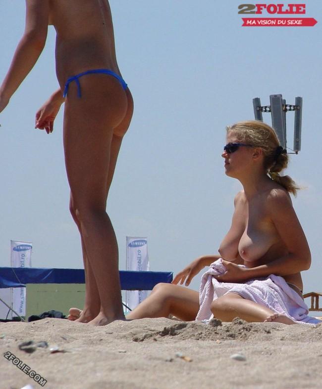 femmes en string plage-004