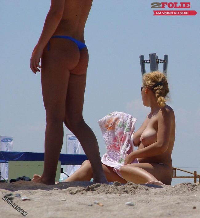 femmes en string plage-005