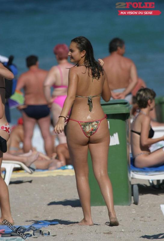 femmes en string plage-009