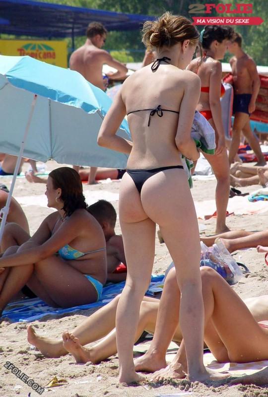 femmes en string plage-010