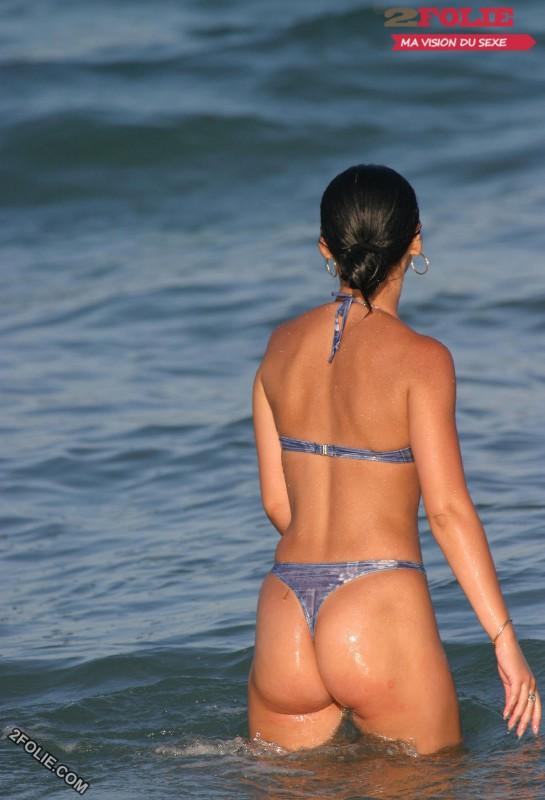 femmes en string plage-017