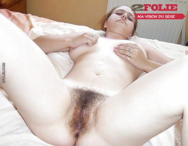 jeune femme tres poilue-005