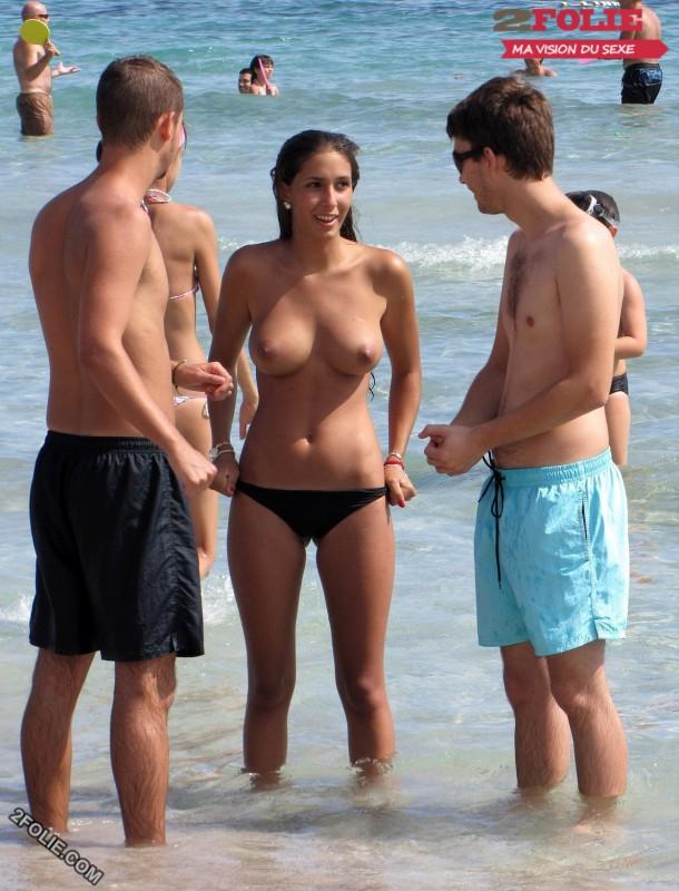 jolies femmes seins nus-001