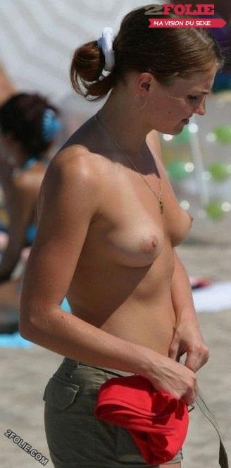 jolies femmes seins nus-012