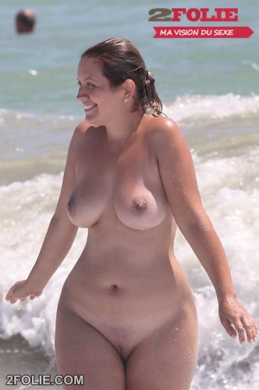 Chatte rase la plage sur 2Folie