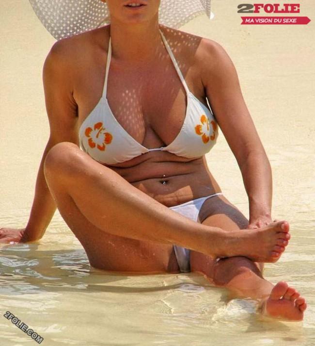 прозрачный купальник случайное фото голые женские открытые