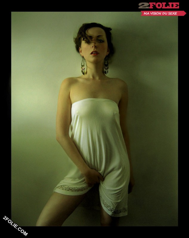 photos de jolies femmes se masturbant-023