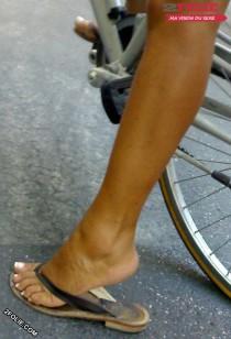 pieds féminins sexy grave-018