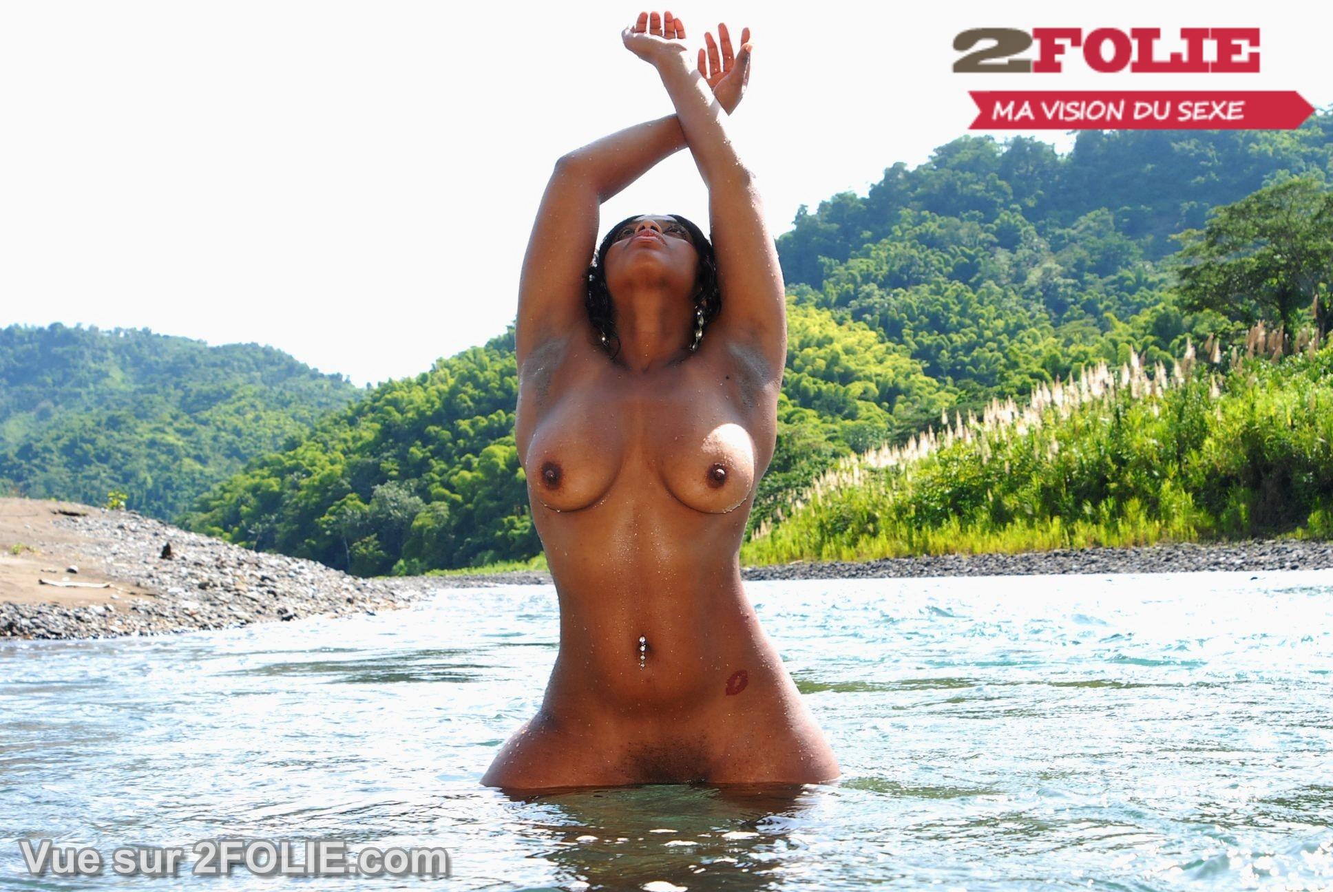De Belles Femmes Noires Mater Nues Sur La Plage