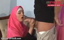 Elle suce avec le hijab-014