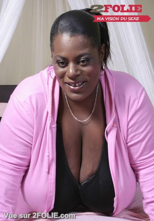 Grosses femmes blacks décolleté énormes seins !-001