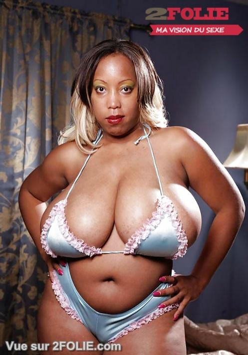 Grosses femmes blacks décolleté énormes seins !-003