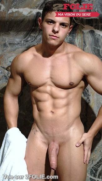 Hommes nus avec de beaux abdos-003