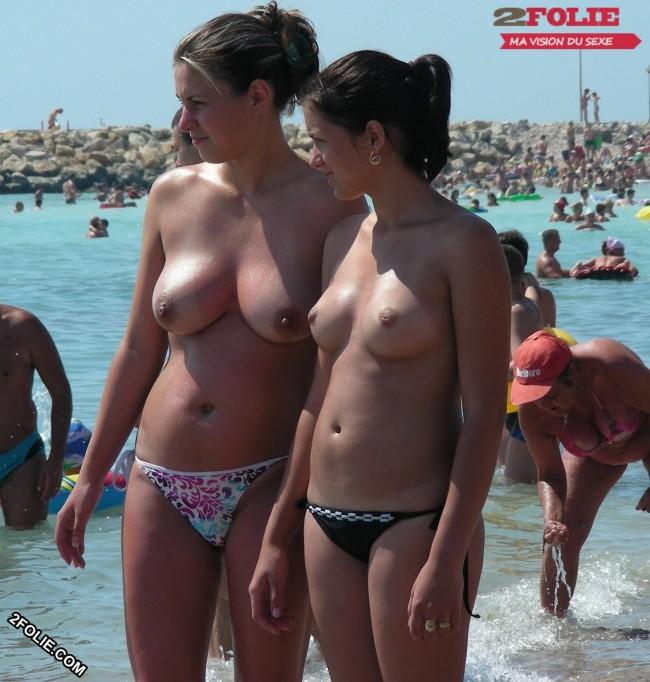 Meufs seins nus sur la plage-022