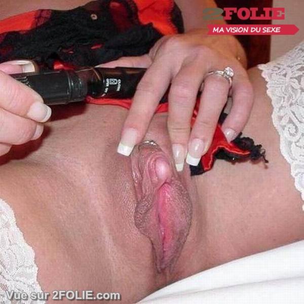Photos de gros clitoris de femme-002