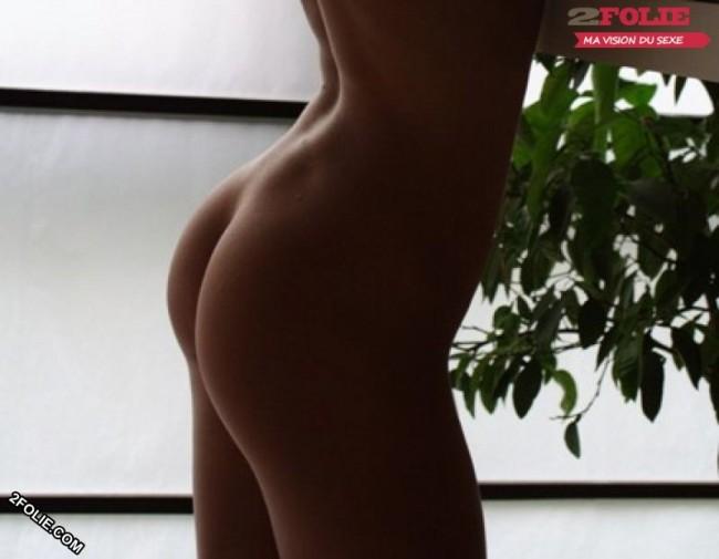 Photos de petits culs nus-en string-en jean's-005