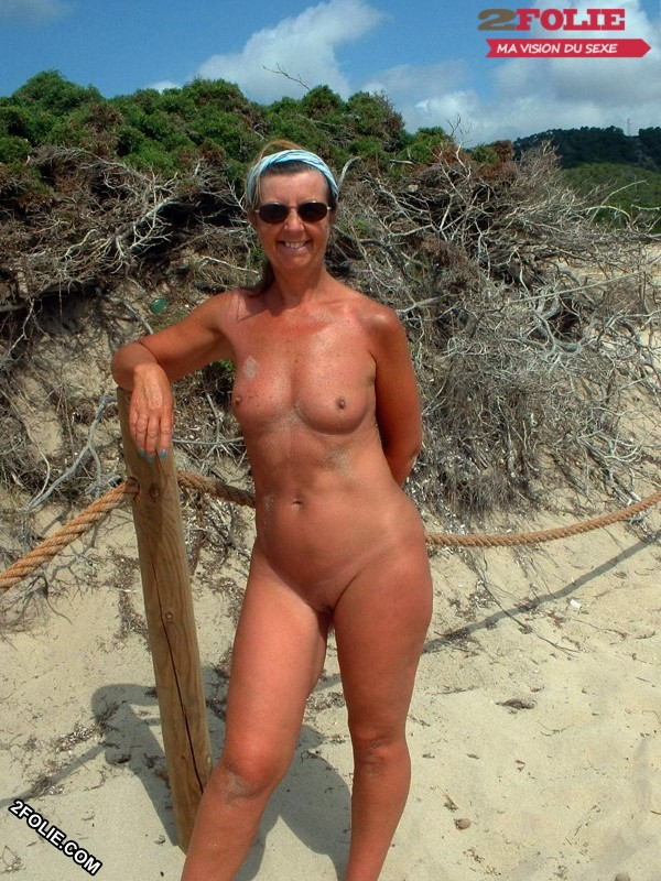 femmes naturistes en photo-002