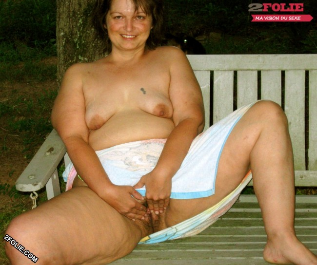 femmes naturistes en photo-003