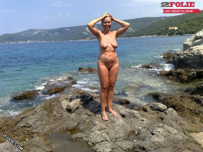 femmes naturistes en photo-009
