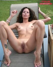 femmes qui fument toutes nues-016