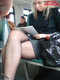 femmes sexy en collants dans le metro-004