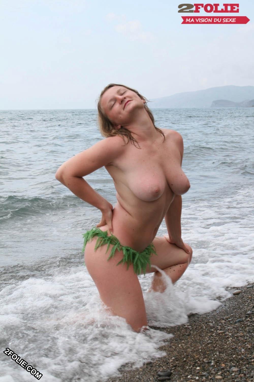 Les seins nus à la plage : cest vraiment fini ? Planet