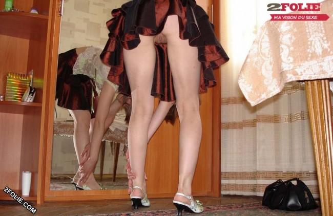 sans culotte sous la jupe-005