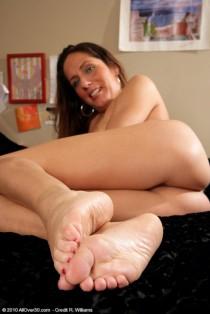 Vieilles salopes aux beaux pieds (5)