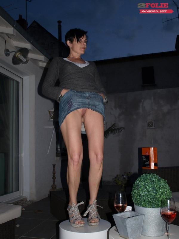sous les jupes des femmes sans culotte (11)