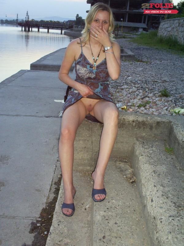 sous les jupes des femmes sans culotte (4)
