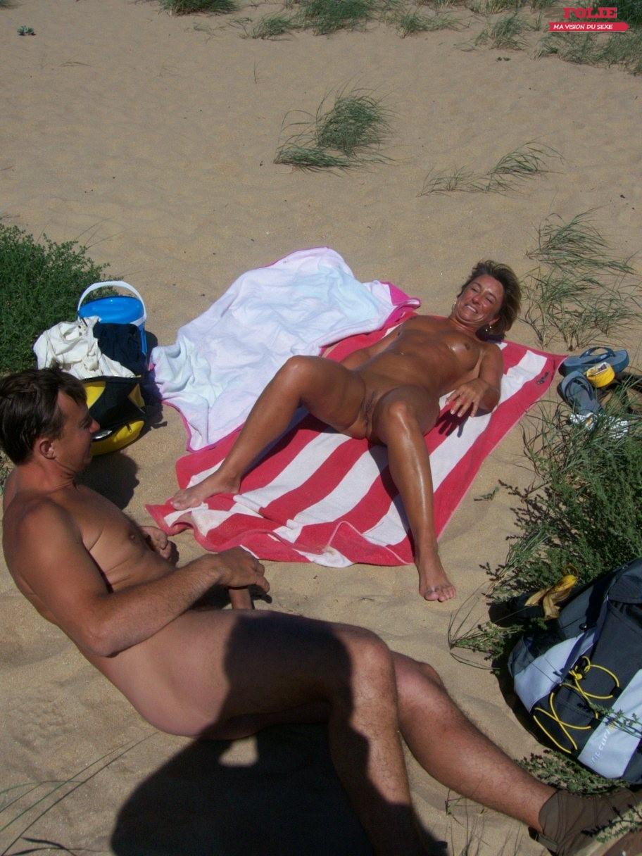 salope ardeche elle se masturbe sur la plage