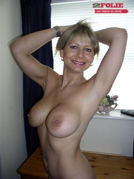 Salopes toutes nues en photo (3)